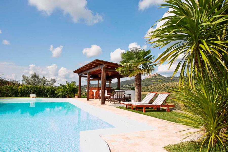 Casa melani piscina e giardino ad uso esclusivo for Piscina in giardino